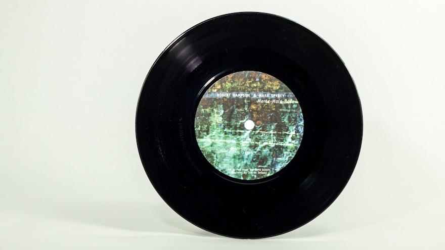 Dead Voices On Air w/Robert Hampson